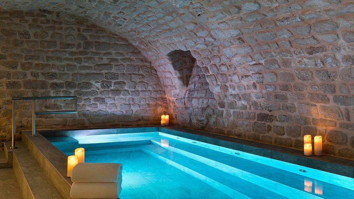 hotel-square-louvois-piscine-interieure